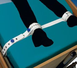 Orliman Arnetec harness ankle to bed with magnets