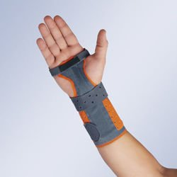 Orliman Manutec Fix immobilising wrist support with palm splint