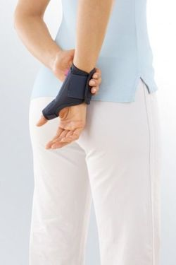 medi thumb support brace